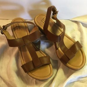 Born concept leather sandals